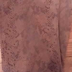 Hue Faux Suede Snake Print Leggings Soft Stretchy